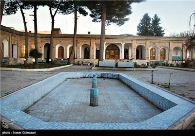 Iran's Beauties in Photos: Falahati Palace
