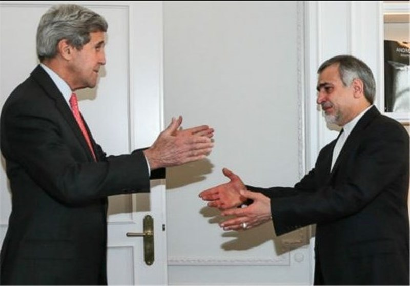US Kerry Offers Condolences over Demise of Iranian President's Mother