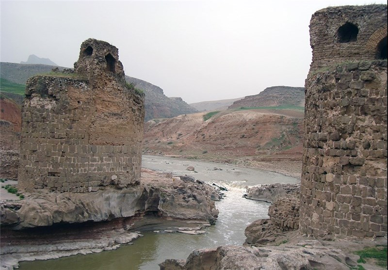 Gavmishan Bridge in Tranquil Corner of Western Iran