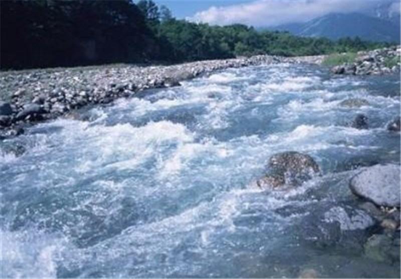 سالانه 13 میلیارد مترمکعب آب از استان لرستان خارج میشود