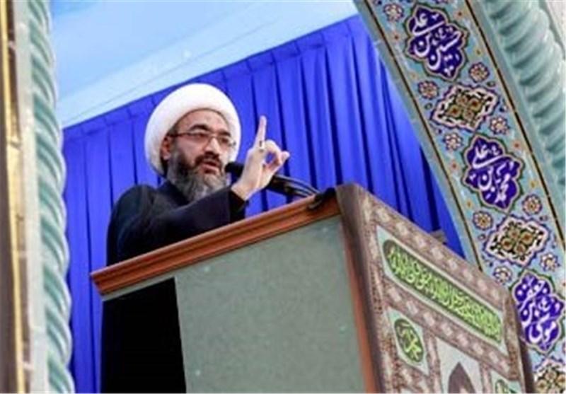 فتنهها در نظام اسلامی ایران با برنامهریزی استکبار انجام میشود