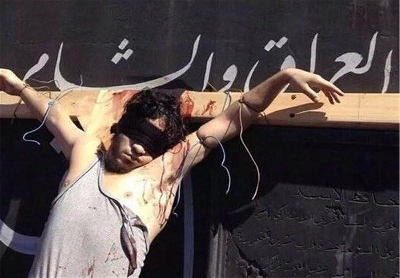 داعش یک شهروند سوری را به صلیب کشید + عکس