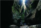ایران کے شہر مھران میں واقع زینگان غار کی چند تصاویر