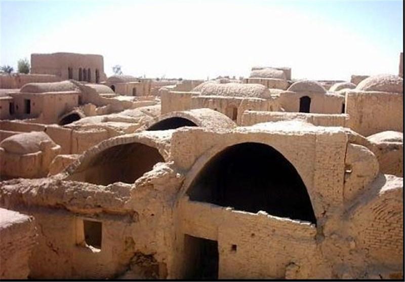"""""""ابر کوہ"""" کے تاریخی قلعے، ایرانی فن تعمیر کے اقتدار اور پائداری کا راز"""