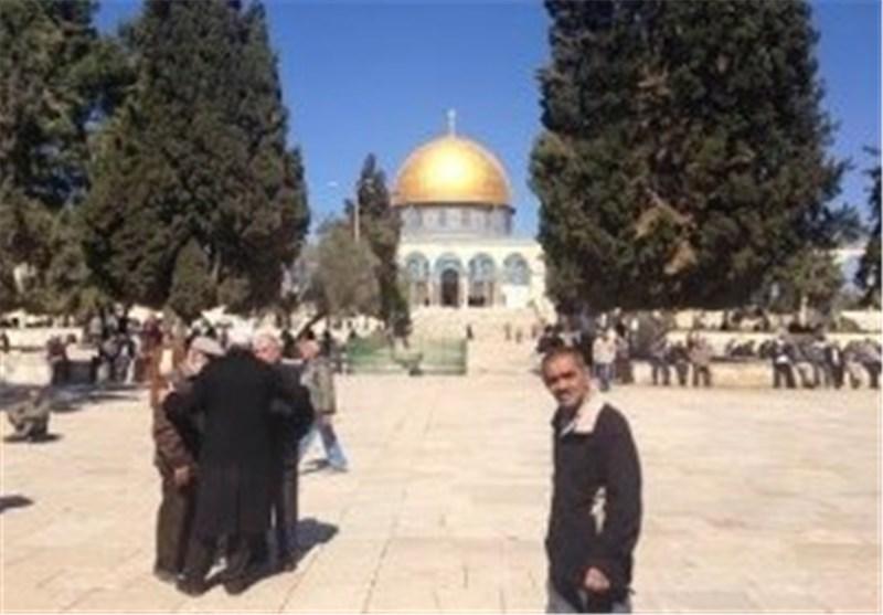 مستوطنون یقتحمون المسجد الأقصى ویتجولون فی باحاته