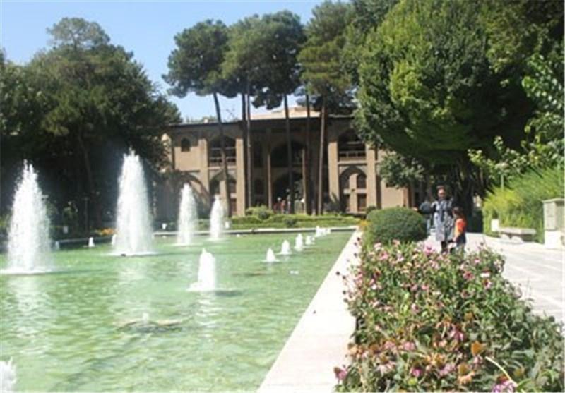 بازدید 2000 گردشگر از باغ نمیر صدری تفت