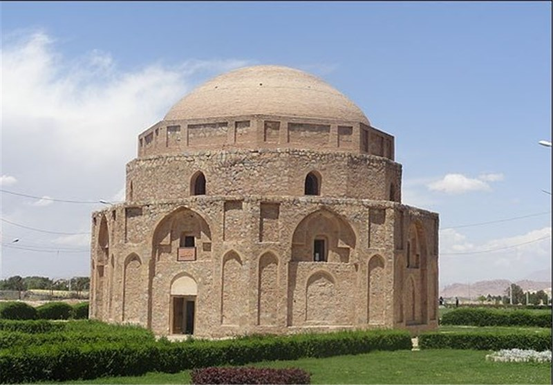 Jabalieh Dome: An Octagonal Structure Located in Iran's Kerman