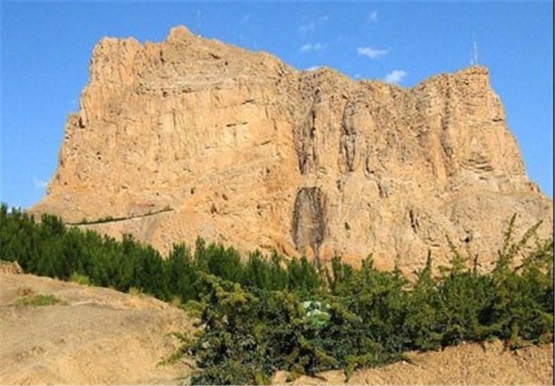 ماجرای ماری که در «شبکههای اجتماعی» کوه صفه اصفهان را ناامن کرد