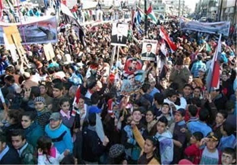 مسیرة فی بلدة قطینة والقرى المجاورة بریف حمص تأییدا للجیش السوری