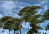 وزش بادهای شدید تا فردا صبح در اردبیل ادامه دارد