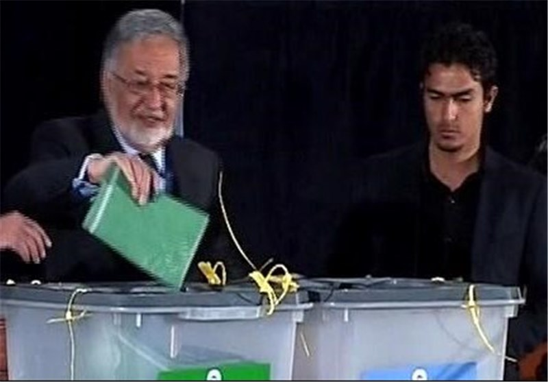 Zalmai Rassoul Announces Support for Leading Afghan Candidate Abdullah