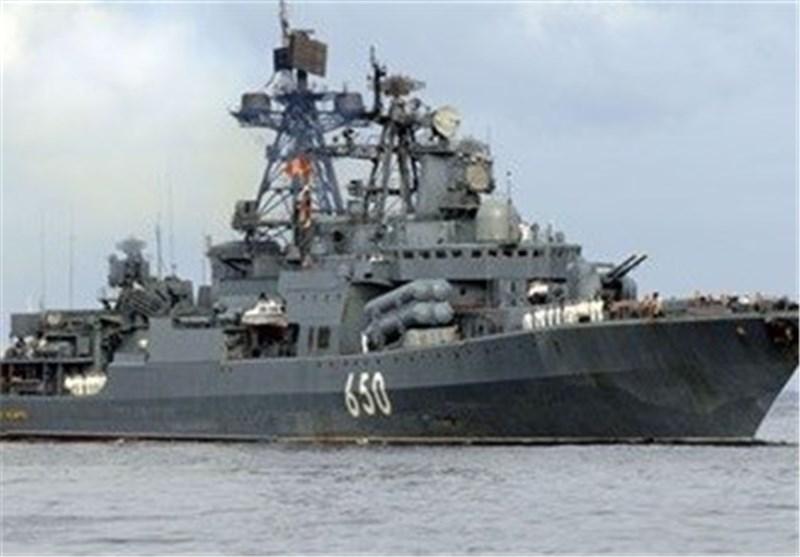 الطراد بطرس الأکبر فی المتوسط لقیادة السفن الروسیة