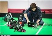 """کاهش قیمت کالاهای ایرانی در گرو تقویت """"علم رباتیک"""" کشور / رونمایی از ربات اطفای حریق"""