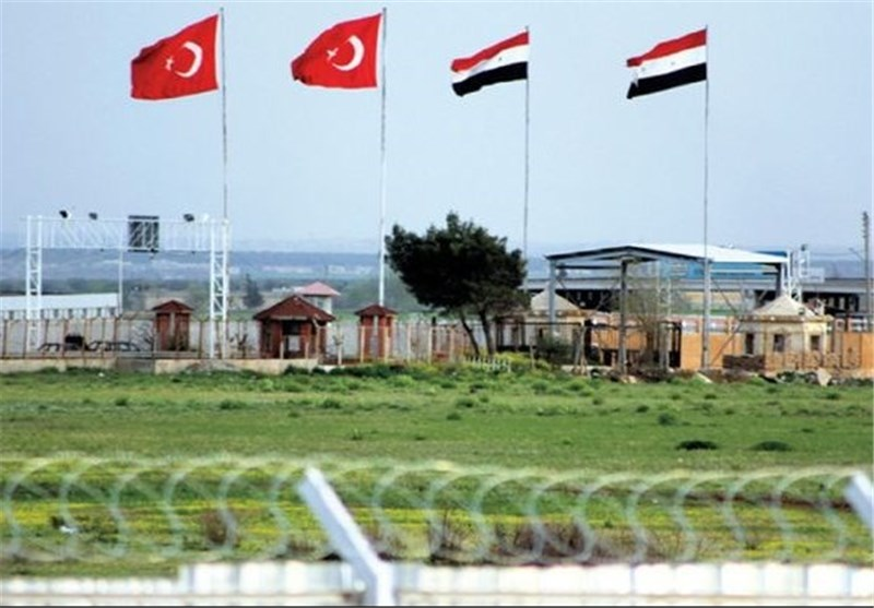 إعتقال جندیین ترکیین على خلفیة توقیف شاحنات متوجهة الى سوریا