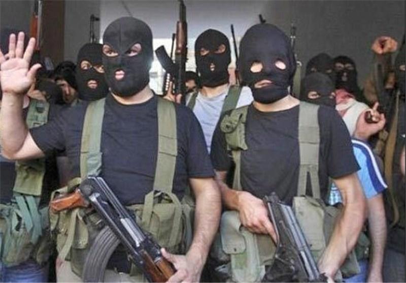 الجماعات المسلحة تفجر سیارتین مفخختین وترتکب مجزرة فی مدینة حمص