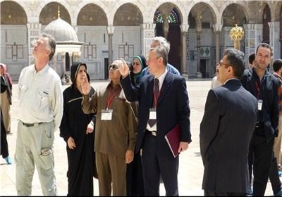 قافلة السلام الدولیة لسوریا تزور المسجد الأموی فی دمشق