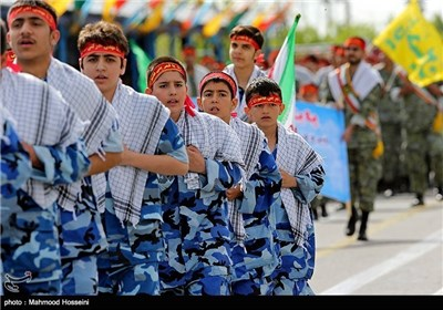 National Army Day Parades Held in Tehran
