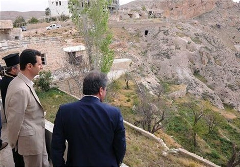 Assad Visits Maaloula on Easter Day
