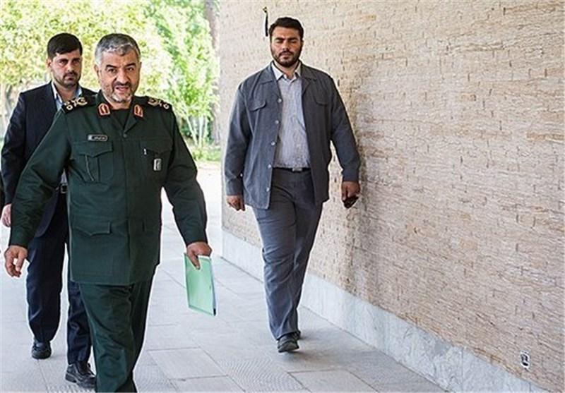 بازدید فرمانده کل سپاه از مرکز مطالعات راهبردی معاونت فرهنگی سپاه
