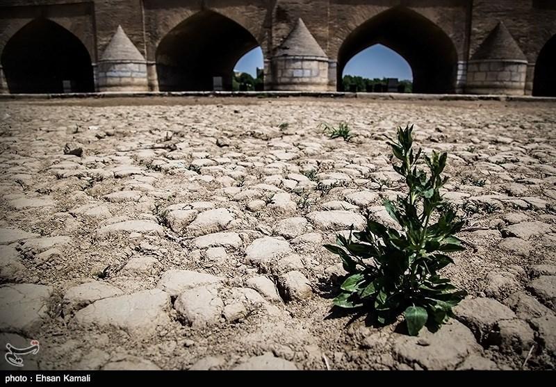 آب به کشاورزان اصفهانی با تأخیر 2 ماهه اختصاص می یابد