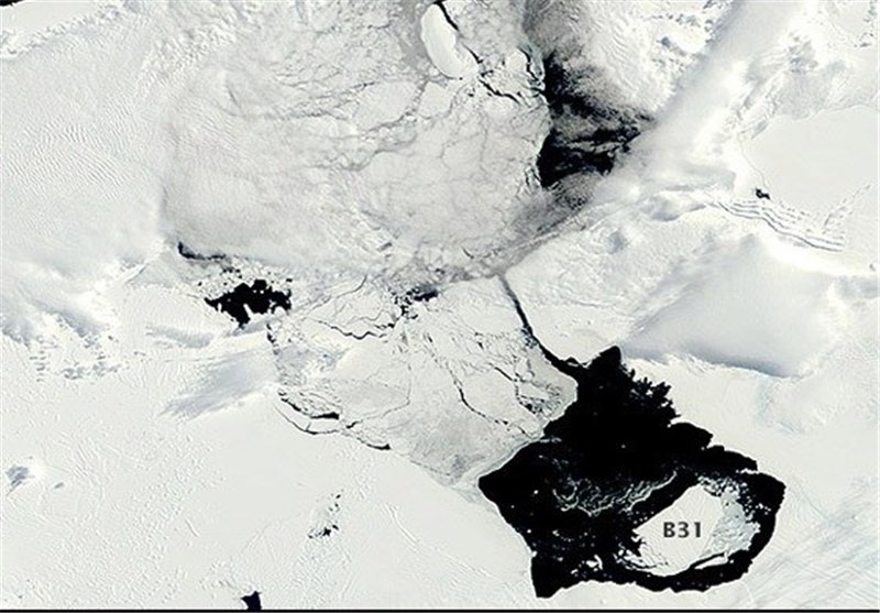 NASA Worried by Unusually Big Iceberg 6 Times the Size of Manhattan