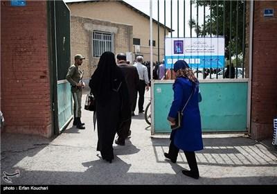 السفیر العراقی یدلی بصوته فی الاقتراع ویشکر ایران الاسلامیة