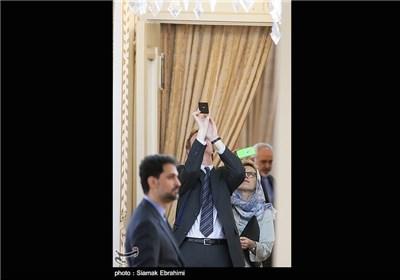 ظریف و نظیره النمساوی یشارکان فی مؤتمرصحفی مشترک