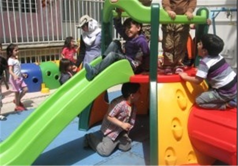 """اجرای طرح """"پای درس ماه"""" در مهدهای کودک اصفهان"""
