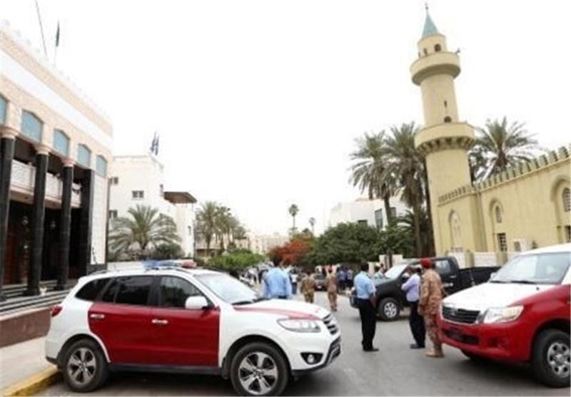 مسلحون یطلقون النار داخل البرلمان اللیبی وتأجیل التصویت لاختیار رئیس للحکومة