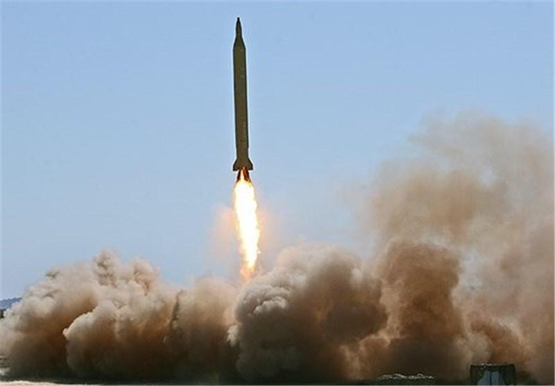 سپاه پاسداران از یک سامانه جدید موشکی رونمایی کرد/ بالستیک های دوربرد «رگباری» شلیک میشوند+فیلم
