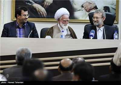 رئیس مجلس الشوری الاسلامی یرعی اجتماع المجلس الاداری فی هرمزکان