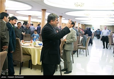 Iran's Culture Minister Attends Banquet with Foreign Publishers