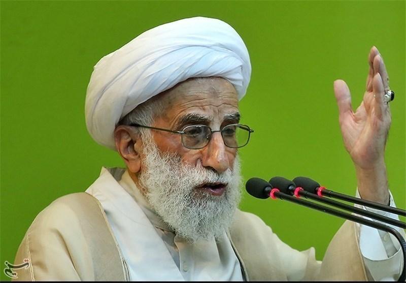 آیة الله جنتی: الامام الخمینی أعاد الی الاسلام مجده وللشعب الایرانی المسلم عزته المهدورة
