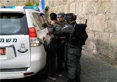 الاحتلال یعتدی ویعتقل عددا من المرابطین عند بوابات الأقصى