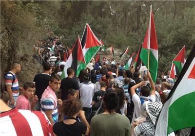 انطلاق مسیرة العودة إلى قریةلوبیة المهجرة فی منطقة الجلیل المحتلة بمشارکة آلاف الفلسطینیین