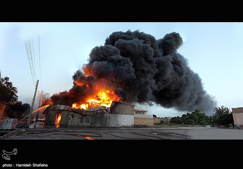 وقوع آتشسوزی در انبار روغن خودرو قزوین -عکاس- حمیده شفیعی ها