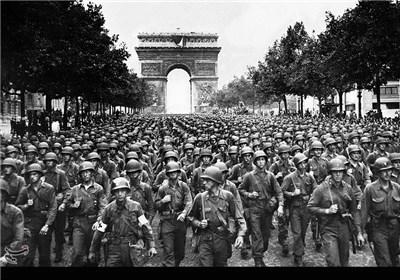 ورود ارتش متفقین به خیابان شانزلیزه - فرانسه