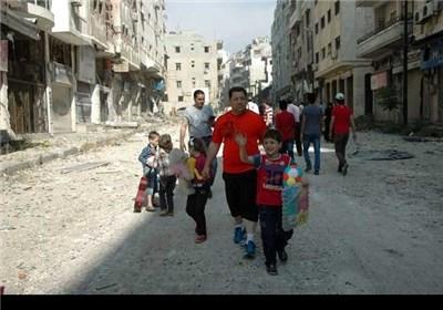 أهالی مدینة حمص القدیمة یعودون إلى مدینتهم