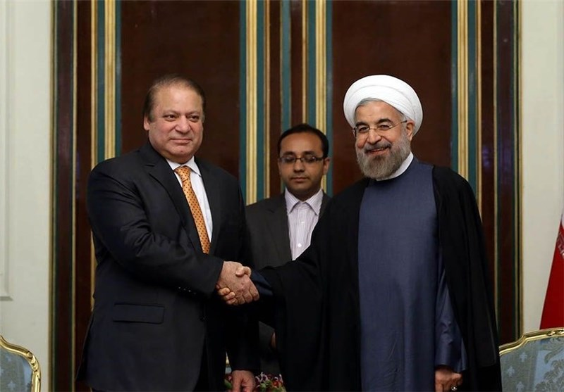 Iran, Pakistan Discuss Ways to Develop Bilateral Ties