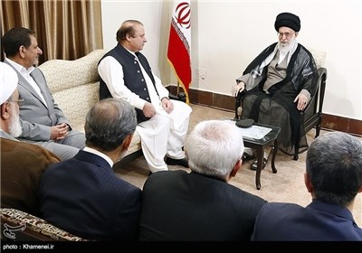 Pakistani PM Meets with Iran's Supreme Leader