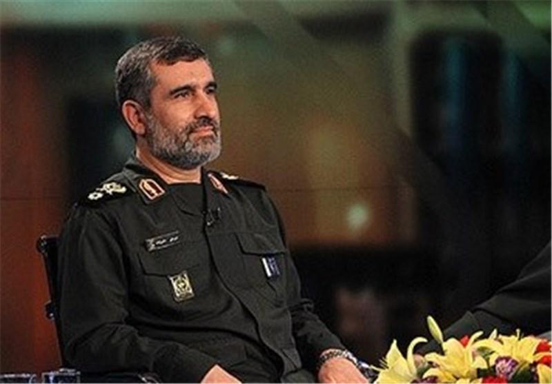 "صاروخ ""خرمشهر"" یمکنه اصابة عدة اهداف برأس حربی یزن 1800 کغ"