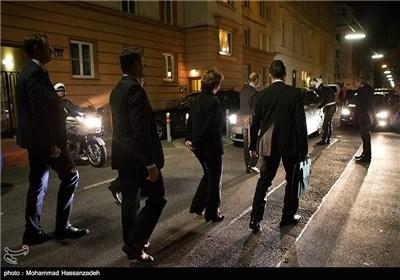 علی هامش مأدبة عشاء عمل بین ظریف واشتون فی فیینا