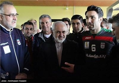 Iran's FM Zarif Meets Team Melli in Austria Camp
