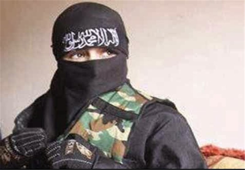 مدونة بریطانیة تحث نساء بلادها على الزواج من المقاتلین البریطانیین فی سوریا