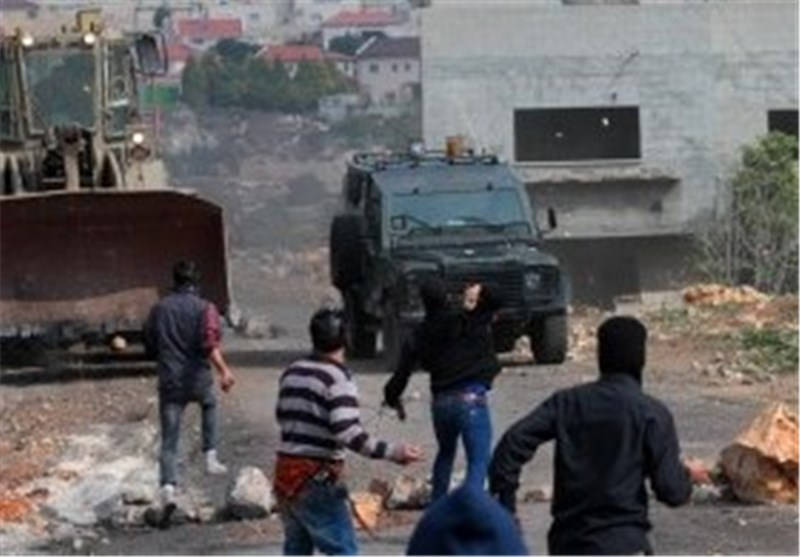 Israeli Forces Storm Palestinian Neighborhoods in Ramallah