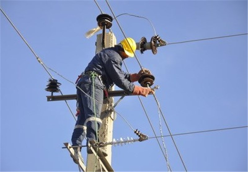 نقاط بحرانی افت ولتاژ برق در کهنوج برطرف میشود