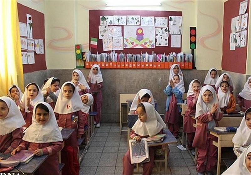 سرانه تحصیلی دانش آموزان استان سمنان افزایش یابد