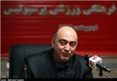 سیاسی: وقتی حسینی حاضر نیست شرایط را درک کند من چهکار کنم؟