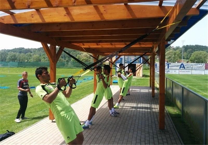 تمرینات گروهی اعضای تیم ملی
