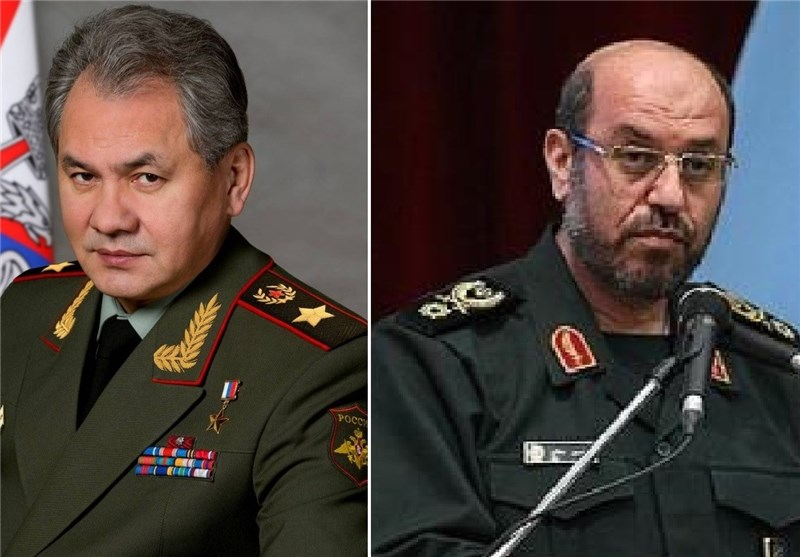 وزیرا دفاع ایران الاسلامیة والروسی یؤکدان ضرورة تطویر التعاون الدفاعی بین البلدین